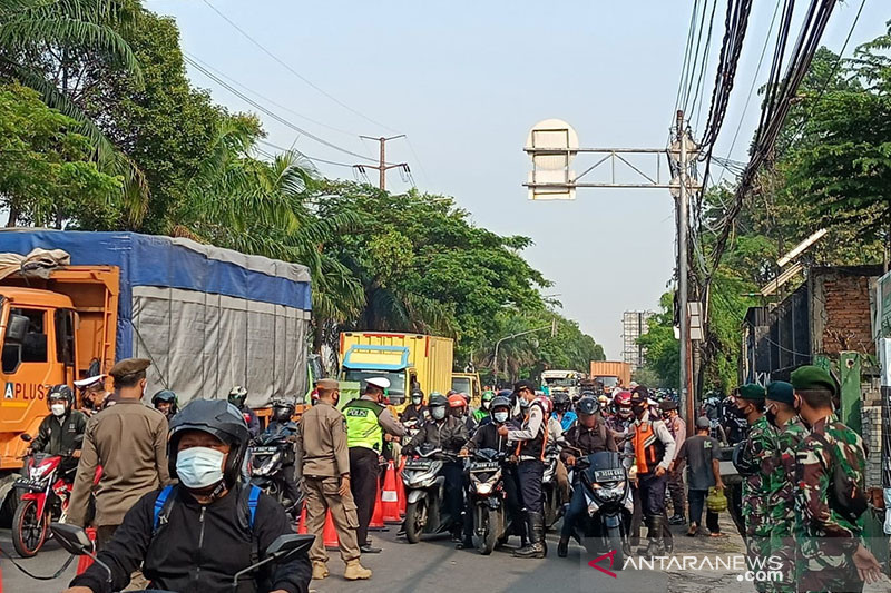 Titik penyekatan di Jakbar tetap berlaku saat penyesuaian PPKM