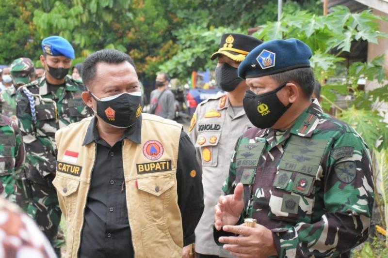 Vaksinasi massal TNI AU di Kampar-Riau diapresiasi