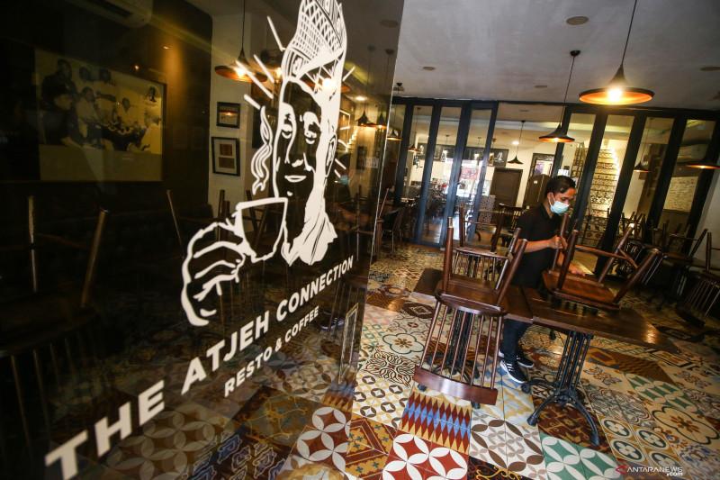 Wajib vaksin untuk pengunjung restoran di Jakarta