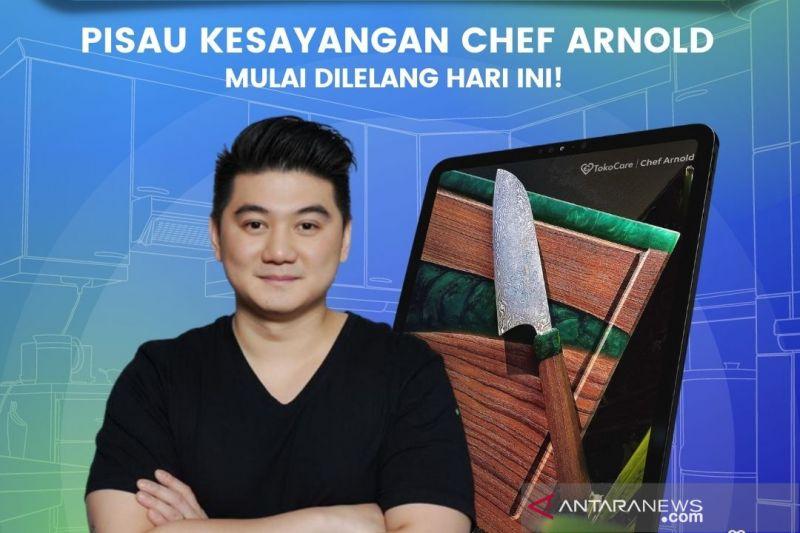 Chef Arnold lelang pisau kesayangan di program TokoCare Tokocrypto