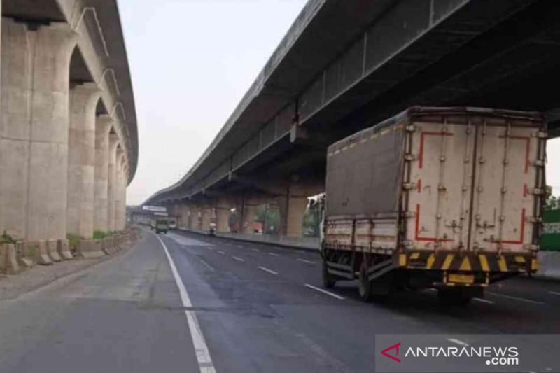 Jasa Marga perbaiki 2 titik jalan Tol Jakarta-Cikampek mulai malam ini