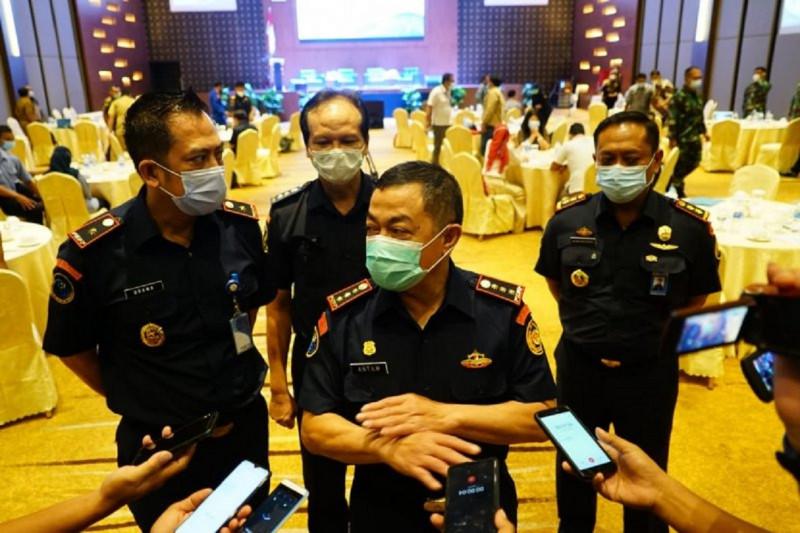 KKP amankan tujuh pelaku pengeboman ikan di perairan Takalar thumbnail