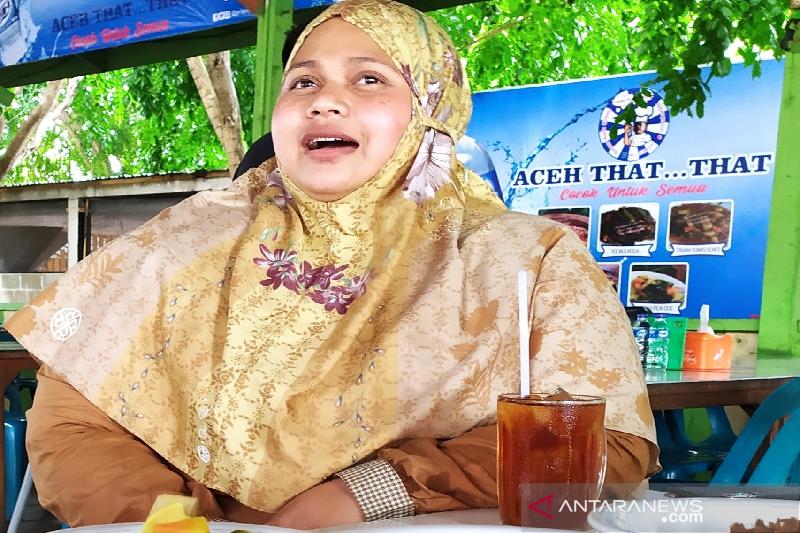 Azizah, eks pasukan Inong Balee GAM yang kini sukses berbisnis kuliner