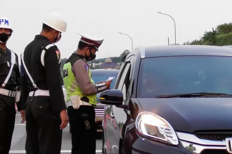 Polda Jateng tutup pintu tol selama PPKM darurat