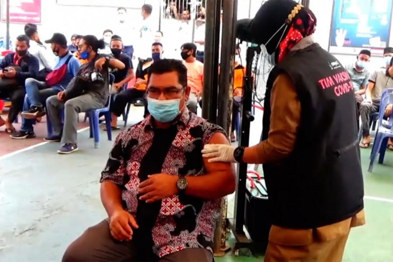 Ratusan warga binaan Lapas Lhokseumawe jalani vaksinasi COVID-19