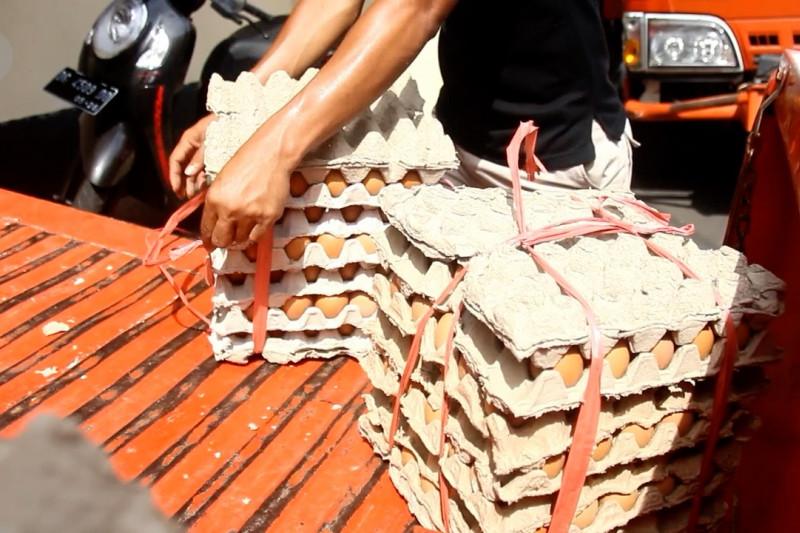Pemkot Ternate salurkan bahan pangan bagi warga terdampak pandemi