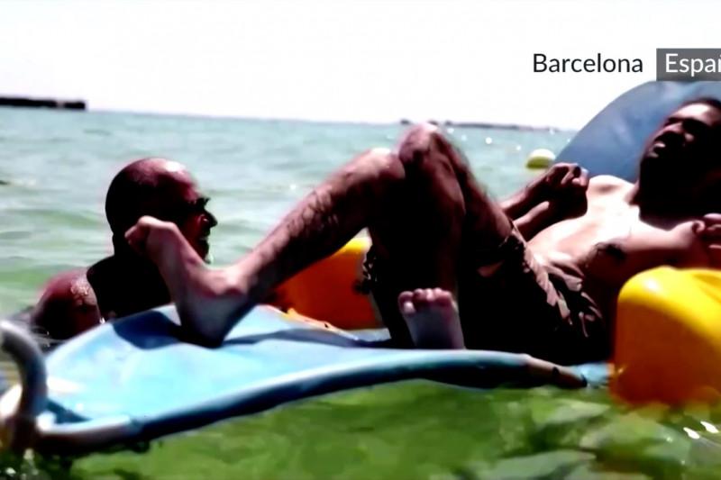 Para disabilitas pun bisa bersenang-senang di laut Barcelona