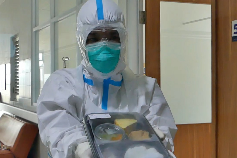 Epidemiolog & perawat apresiasi metode vaksinasi nakes dosis ketiga