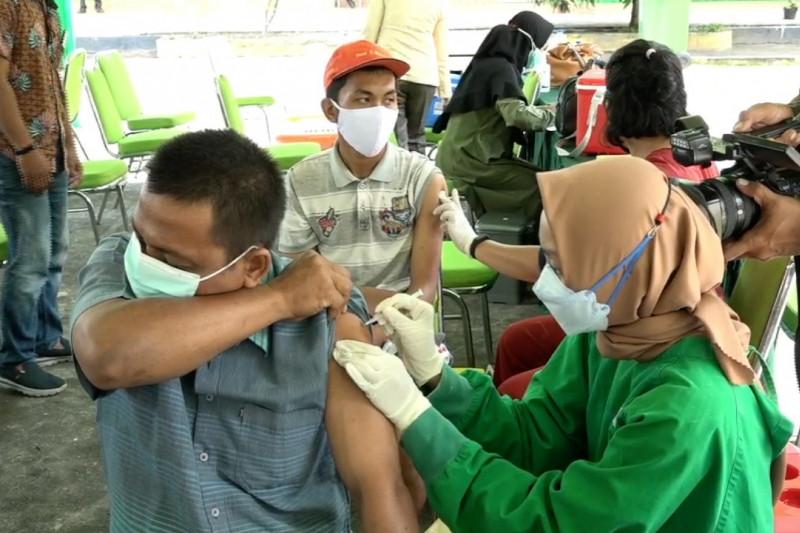 Riau kejar 4 juta masyarakat untuk vaksinasi COVID-19
