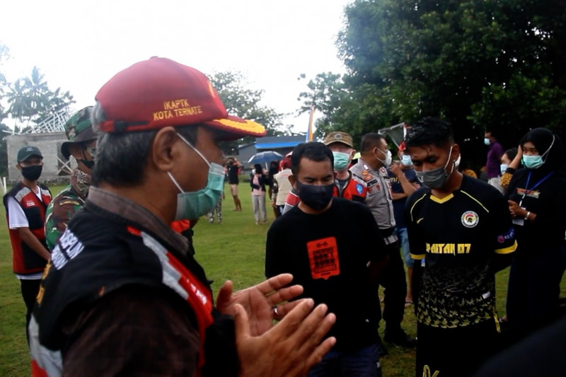 Satgas hentikan turnamen sepak bola Ternate