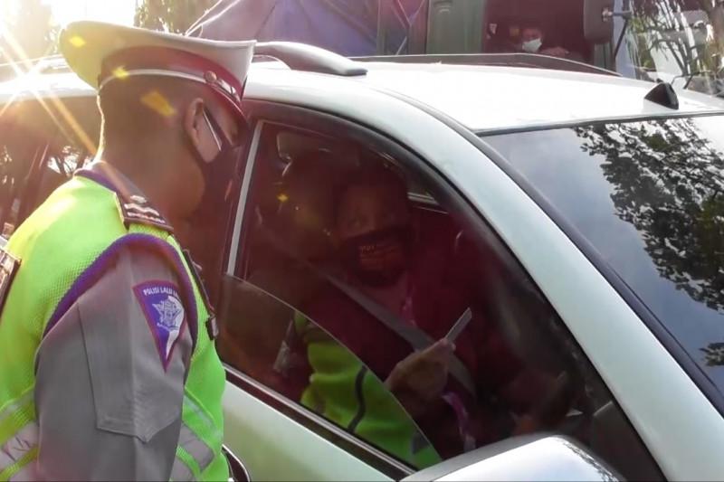Satlantas Polrestabes Semarang putar balik 1.096 kendaraan tak sesuai prokes