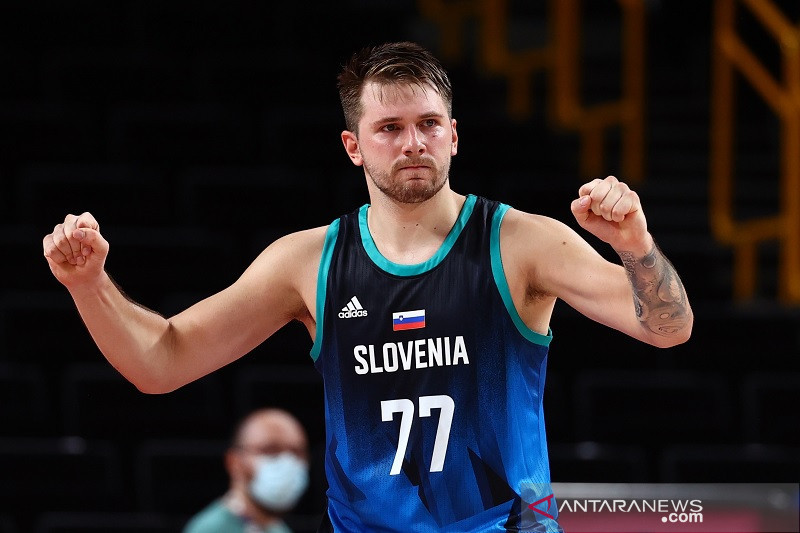 Basket putra Olimpiade: Slovenia sapu bersih, mimpi tuan rumah musnah