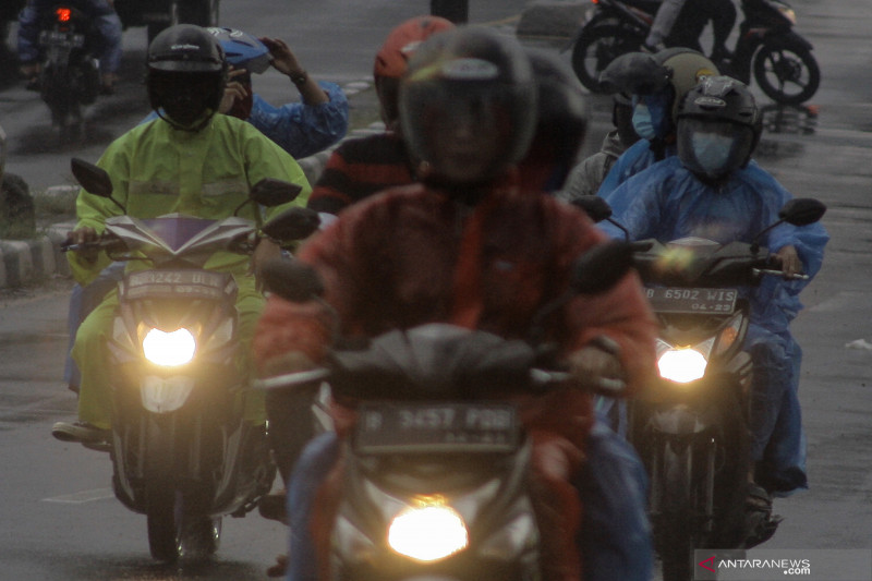 BMKG keluarkan peringatan hujan lebat di beberapa wilayah Indonesia