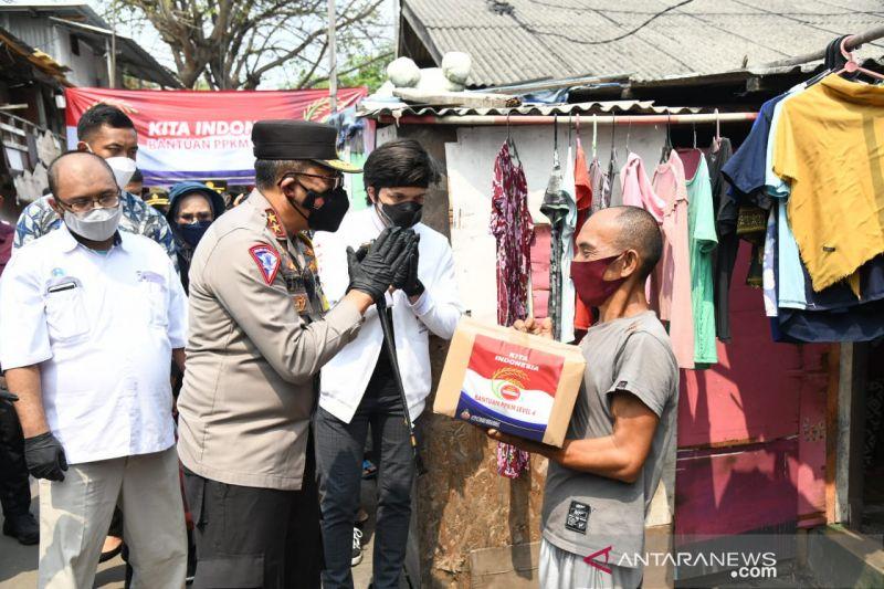 Polri gandeng Atta Halilintar bagikan bansos pada warga terdampak PPKM