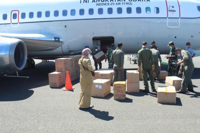 TNI AD bantu tabung oksigen bagi masyarakat Papua Barat