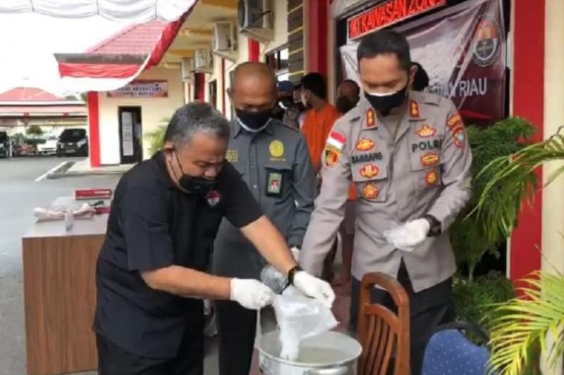 Polres Bintan musnahkan sabu dua kg asal Malaysia