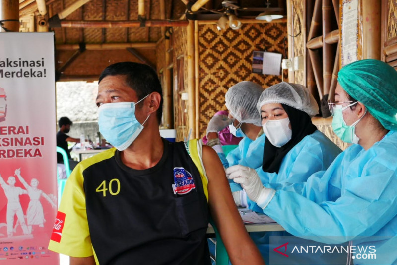 Polisi akui sempat kekurangan dokter dan relawan vaksin COVID-19