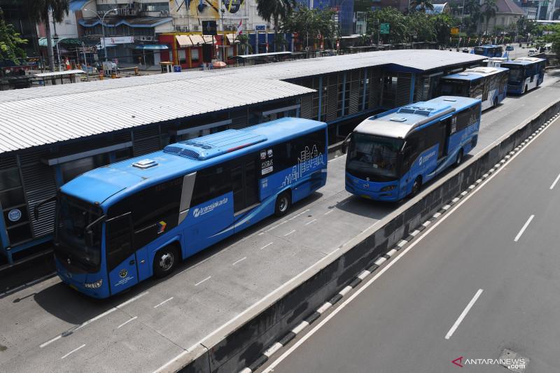 TransJakarta wajibkan sertifikat vaksinasi kepada penumpang