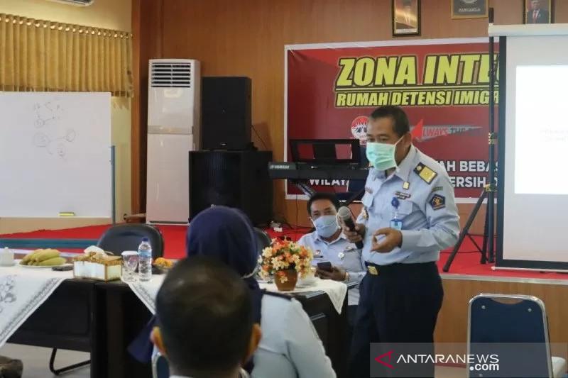 Imigrasi Makassar detensi WN Singapura karena masuk secara ilegal