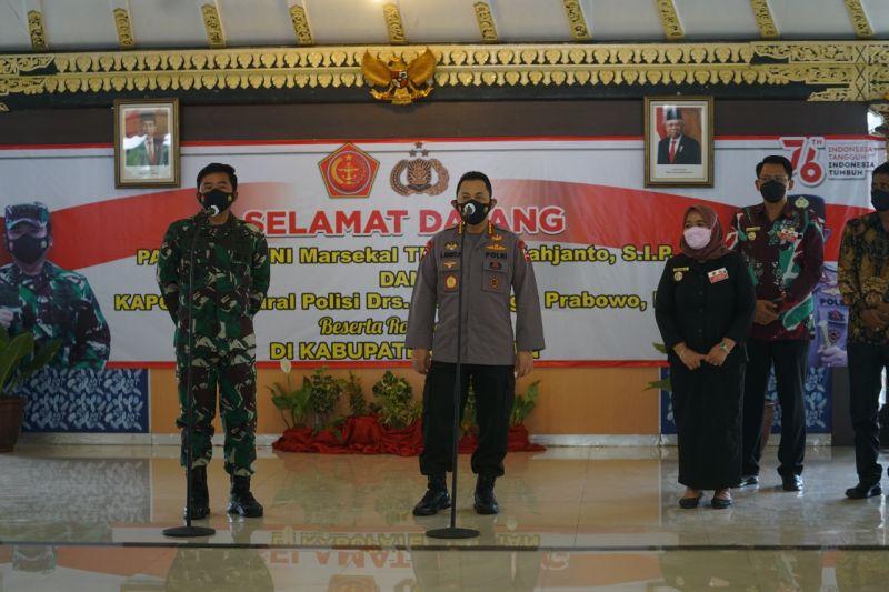 Panglima TNI dan Kapolri tinjau penerapan aplikasi Silacak di Sleman