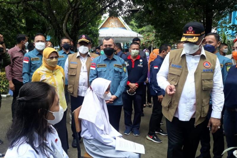 Kepala BNPB tinjau vaksinasi anak di Pekanbaru