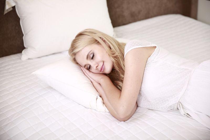 Tidur sebelum jam 23.00 bantu jaga imun tubuh thumbnail