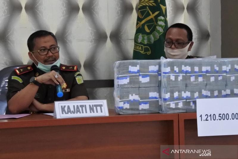 Kejaksaan mengeksekusi enam terpidana korupsi dana Bank NTT