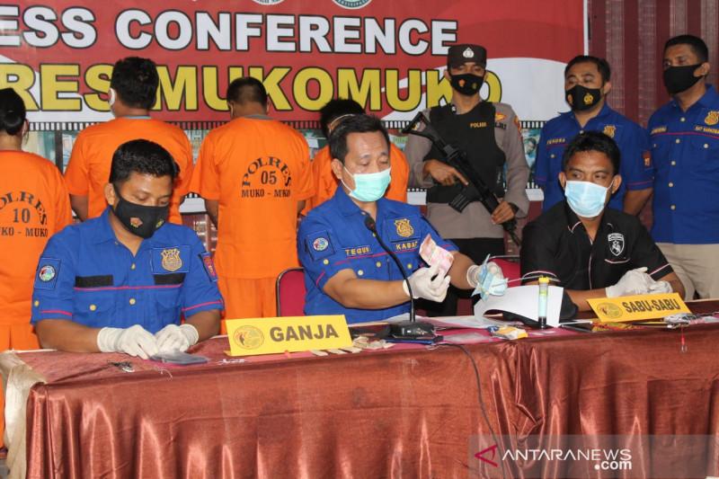 Polres Mukomuko limpahkan kasus narkoba oknum polisi dan istri sirinya