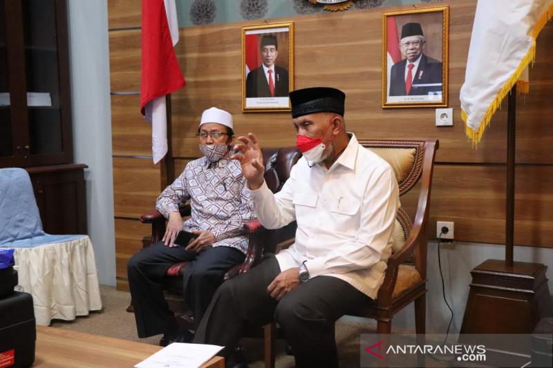 Gubernur Sumbar ajak masyarakat muslim hijrah, dukung ekonomi syariah