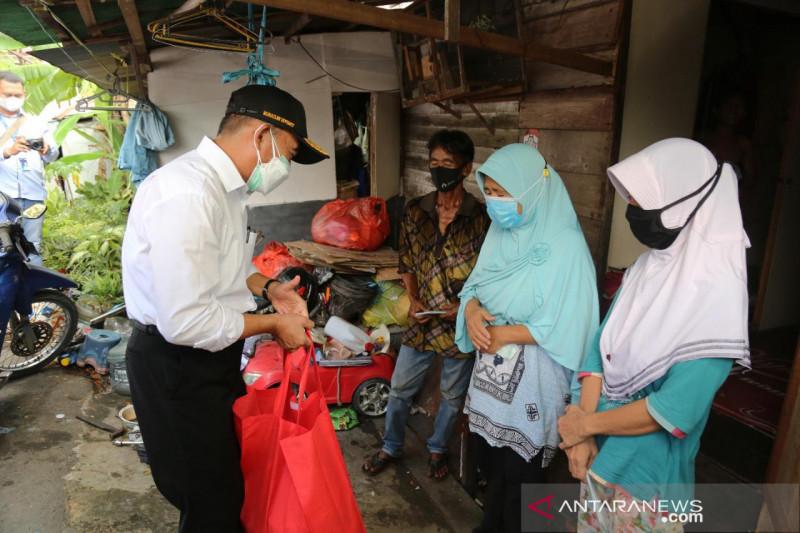 Pegawai Kemenko PMK galang donasi untuk masyarakat terdampak COVID-19