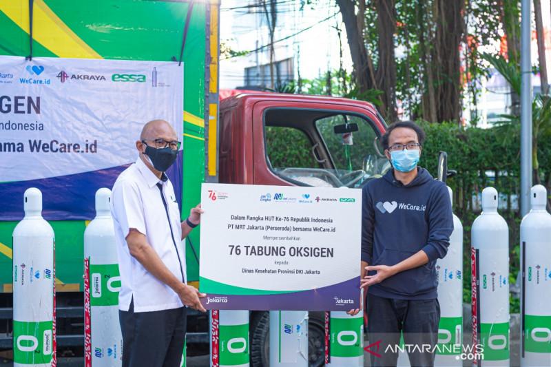 MRT Jakarta bagikan 76 tabung oksigen ke Dinkes DKI sambut HUT RI