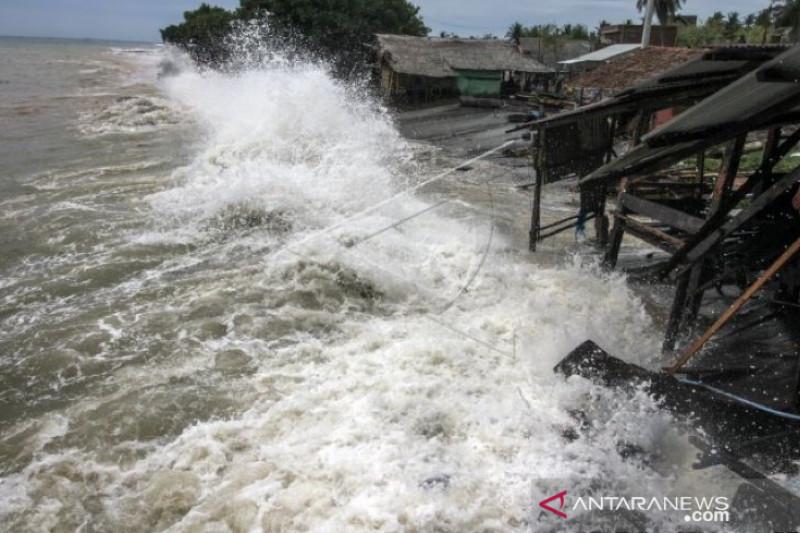BMKG ingatkan ada potensi ombak 4 meter di Aceh 3 hari ke depan
