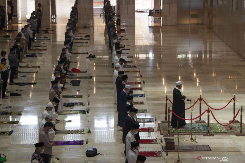 Shalat Jumat pertama Masjid Istiqlal saat PPKM
