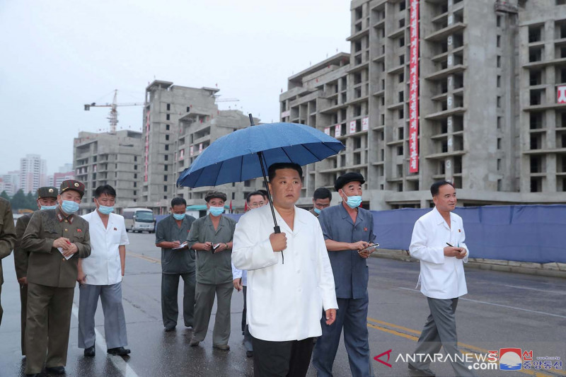 Kim Jong Un periksa proyek pembangunan perumahan di Pyongyang