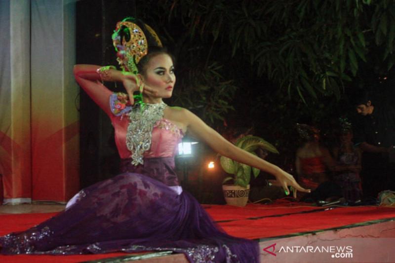 LSM Lodaya bangkitkan seniman melalui lomba tari Jaipong Bedog Lubuk