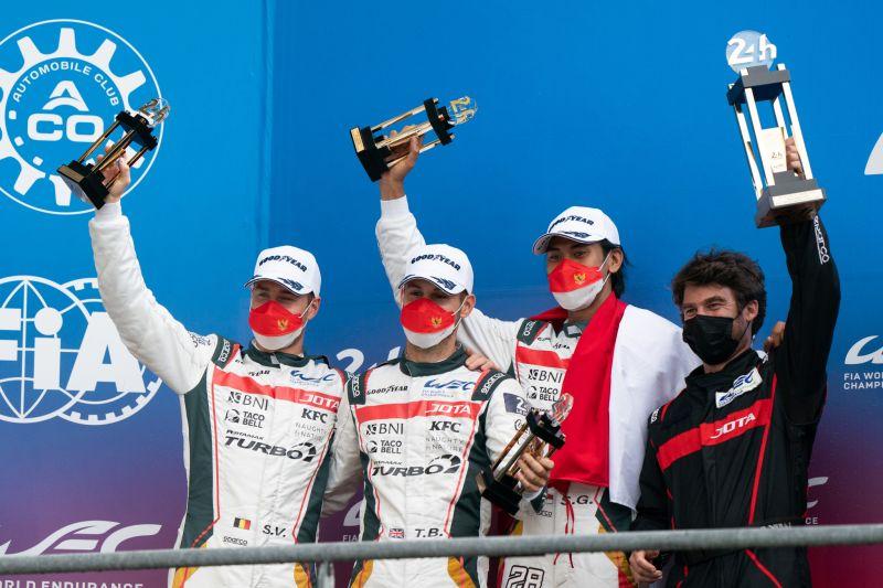 Sean Gelael naik podium balapan 24 Hours of Le Mans