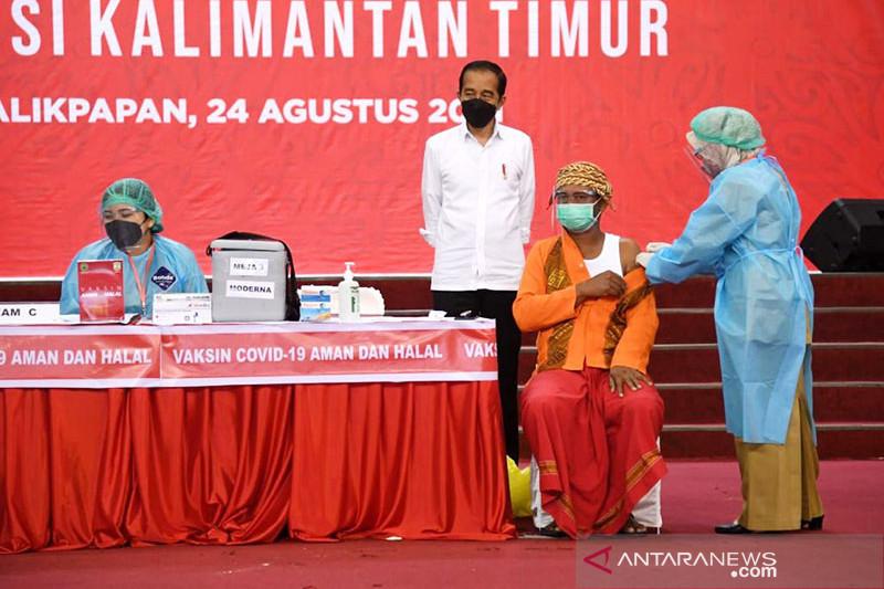 Humaniora kemarin, Presiden tinjau vaksinasi-lindungi anak dari rokok