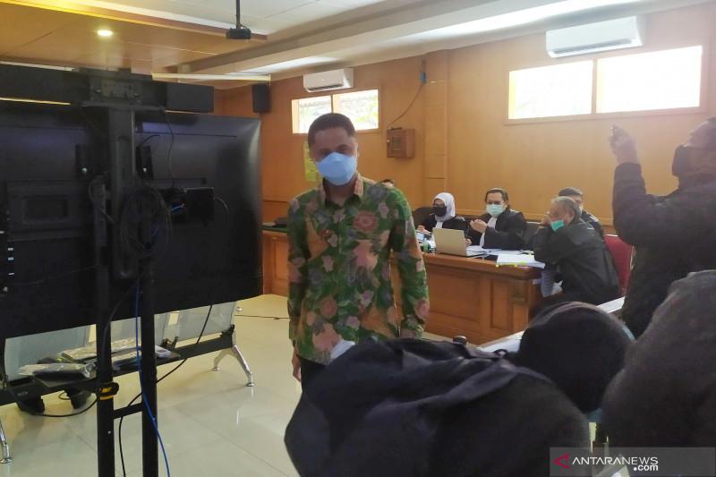 Hengky Kurniawan hadiri sidang korupsi bansos Bupati Bandung Barat