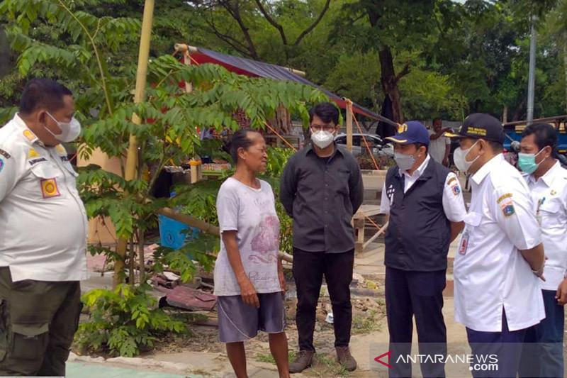 Pemkot Jakut ratakan bangunan liar di Kampung Bayam dengan alat berat