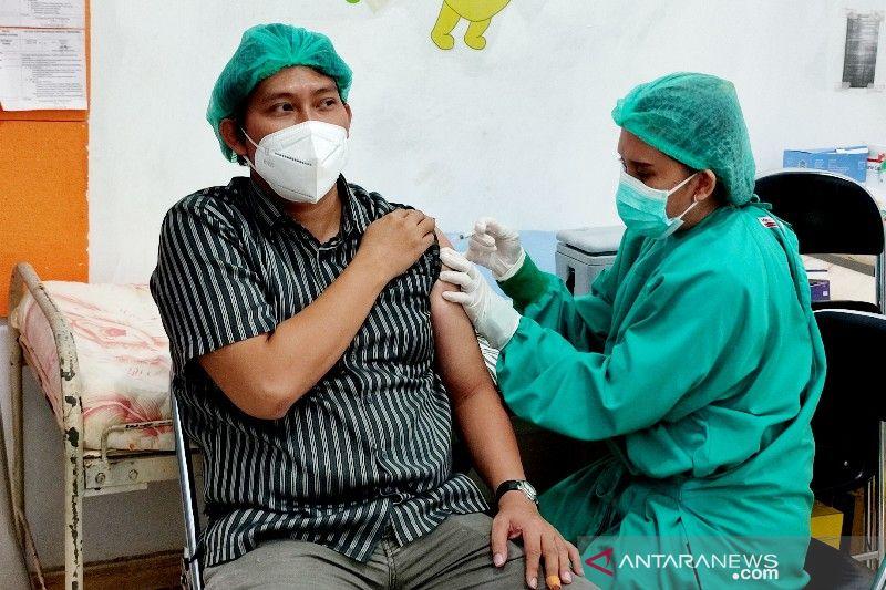 Kolaborasi pabrik vaksin Indonesia - China hemat ongkos logistik