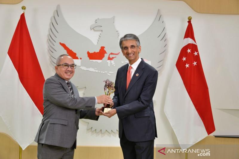 KBRI Singapura menganugerahkan Adinata Award kepada Temasek