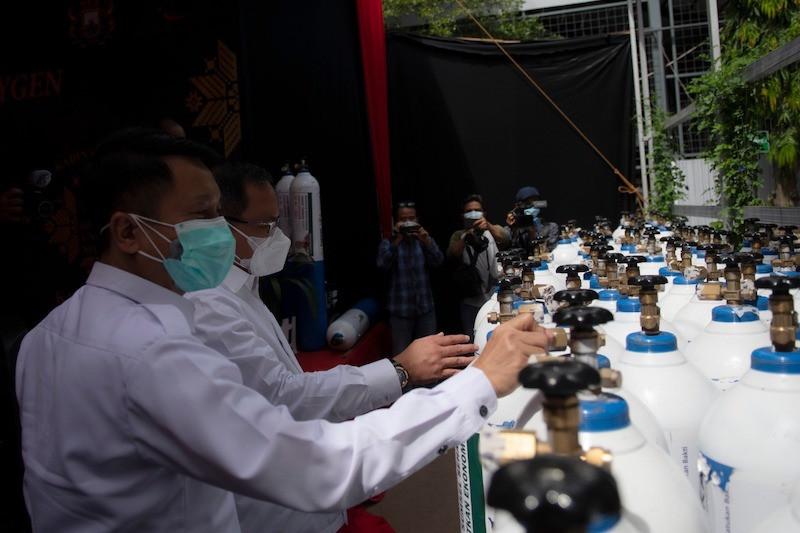 Kadin Sumsel salurkan 400 tabung oksigen ke rumah sakit