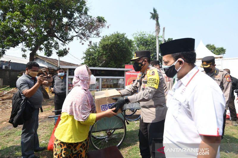 Kakorlantas salurkan 1.000 paket sembako untuk PKL di Jakarta