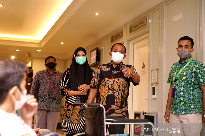 Wawali pastikan tarif tes usap PCR di Surabaya turun jadi Rp495 ribu