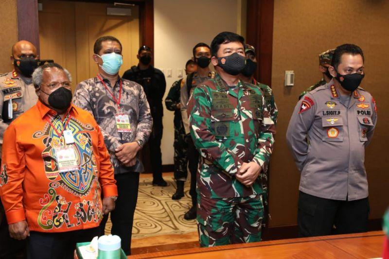 Panglima ingatkan kesehatan masyarakat Mimika sukseskan PON XX Papua