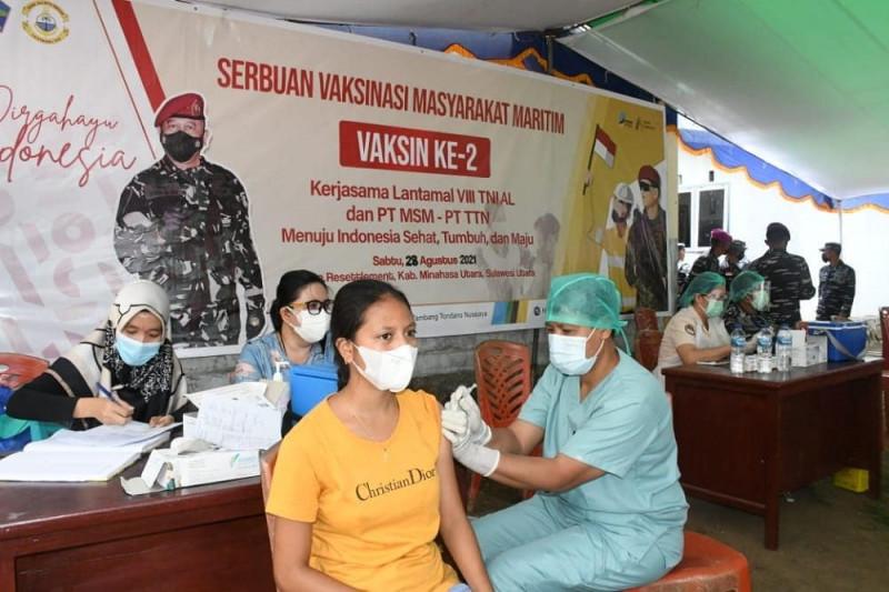 TNI AL vaskinasi COVID-19 masyarakat maritim di Minahasa Utara