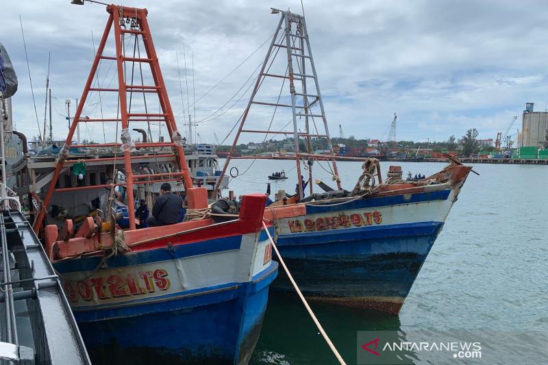 Baharkam Polri tangkap 4 kapal ikan Vietnam di Natuna