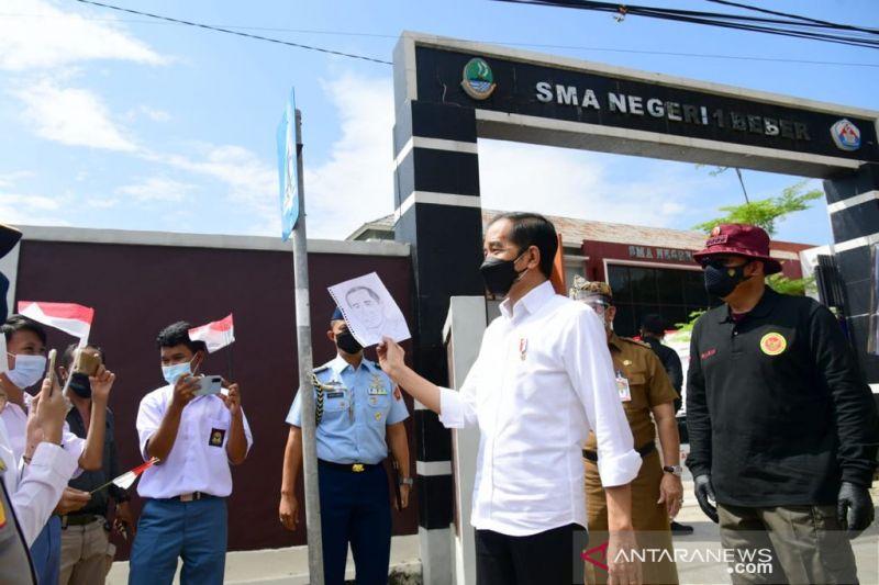 Presiden Jokowi perintahkan vaksinasi masif bagi pelajar dan santri