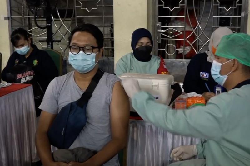 Antusias tinggi, Pemprov Riau tambah 500 dosis vaksin untuk mahasiswa