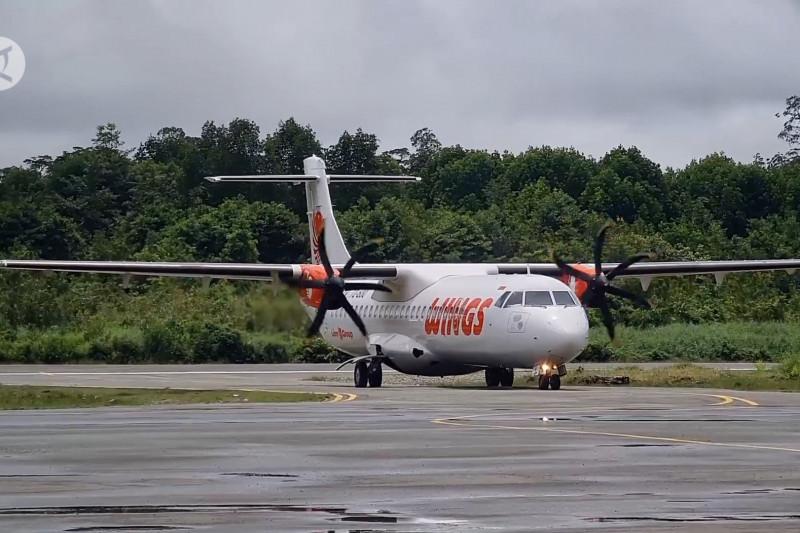 Perdana, pesawat ATR mendarat di Bandara Ewer Asmat